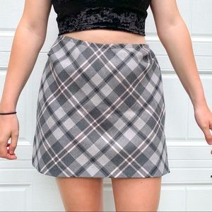 Vintage DKNY plaid grey & pink wool skirt
